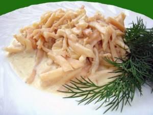 Мясо кальмаров содержит йод, фосфор и медь, которые очищают кровеносные сосуды