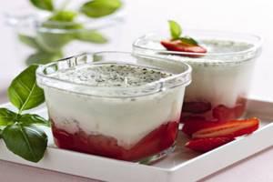 Как приготовить подходящий для больного панкреатитом йогурт